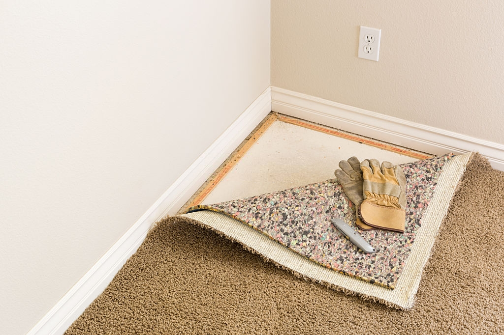 how to paint trim with carpet